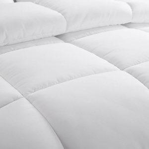 EASELAND All season Twin soft Comforter